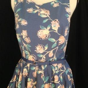 Lauren Conrad Floral Dress w/belt Size 10